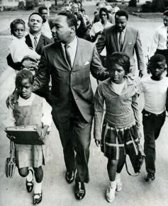 MLK-walks-Mississippi-Children